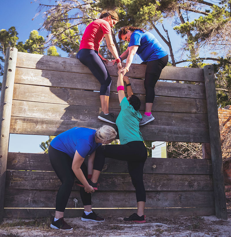 camp-activity-obstacle-course